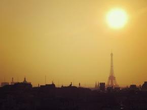 Paris, Voici Le Mois deMai!