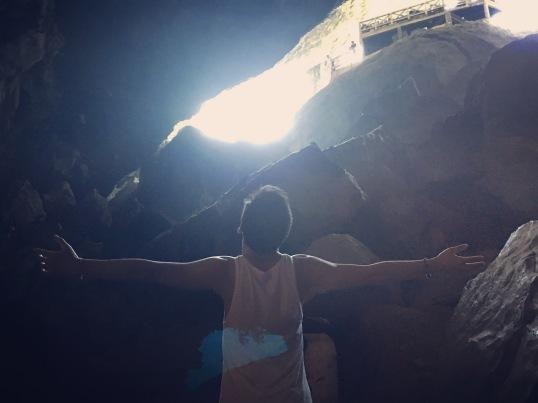 vietnam-halong-bay-6-surprise-cave
