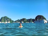 vietnam-halong-bay-9-swimming