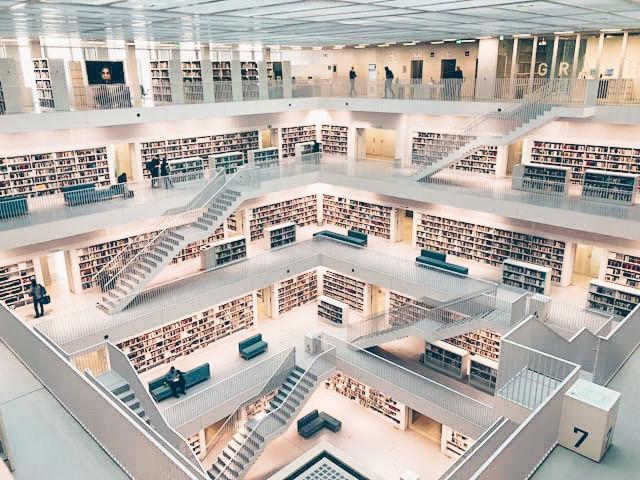 6 Stadtbibliothek