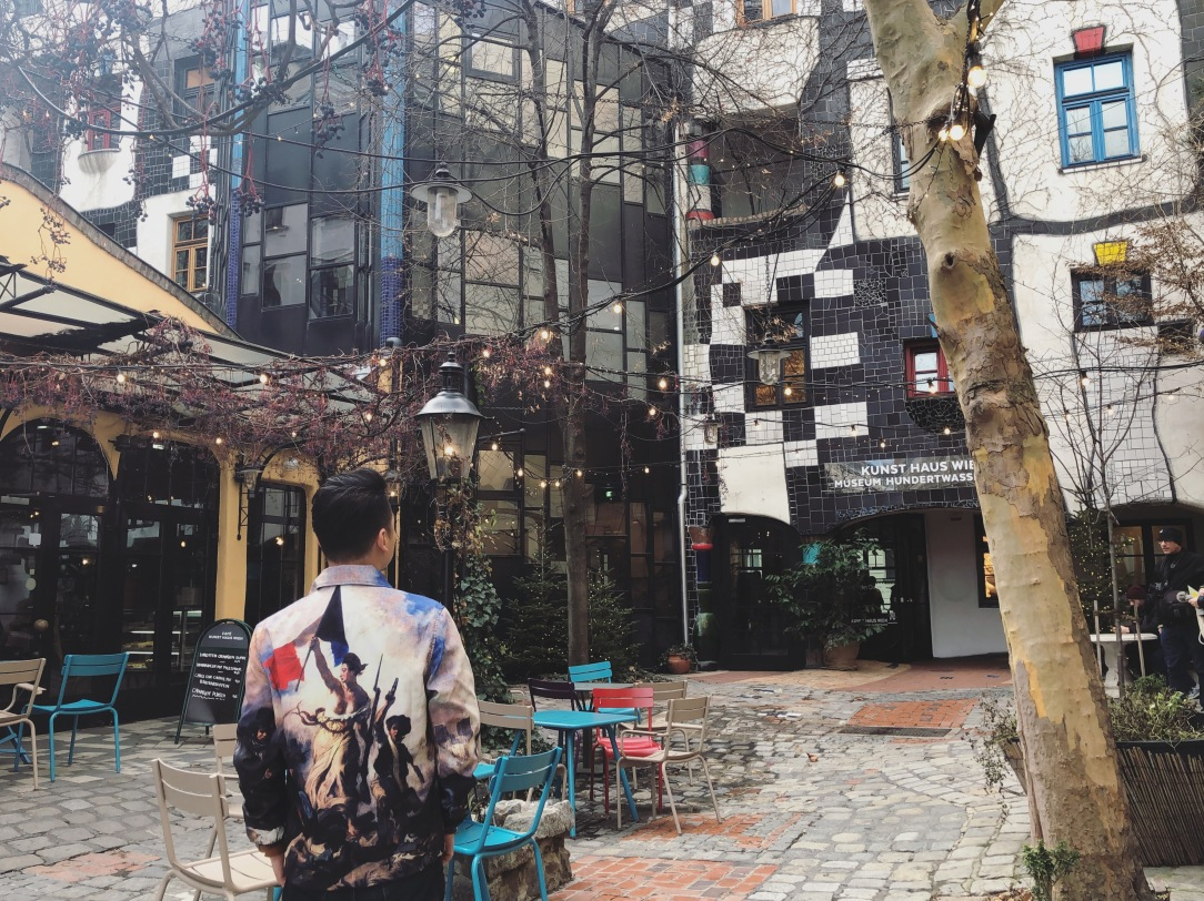 8 Look out for also Hundertwasser and other Wicked Architecture 1