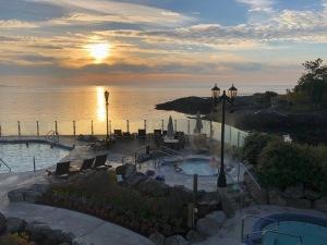2 Oak Bay Beach Hotel 2