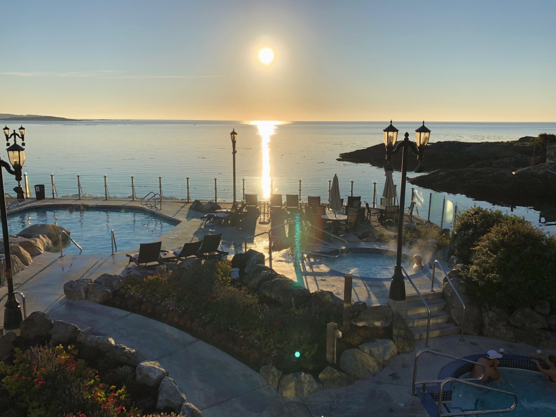 2 Oak Bay Beach Hotel 3